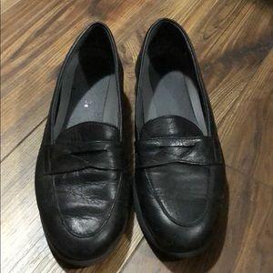 Aerosol leather loafer